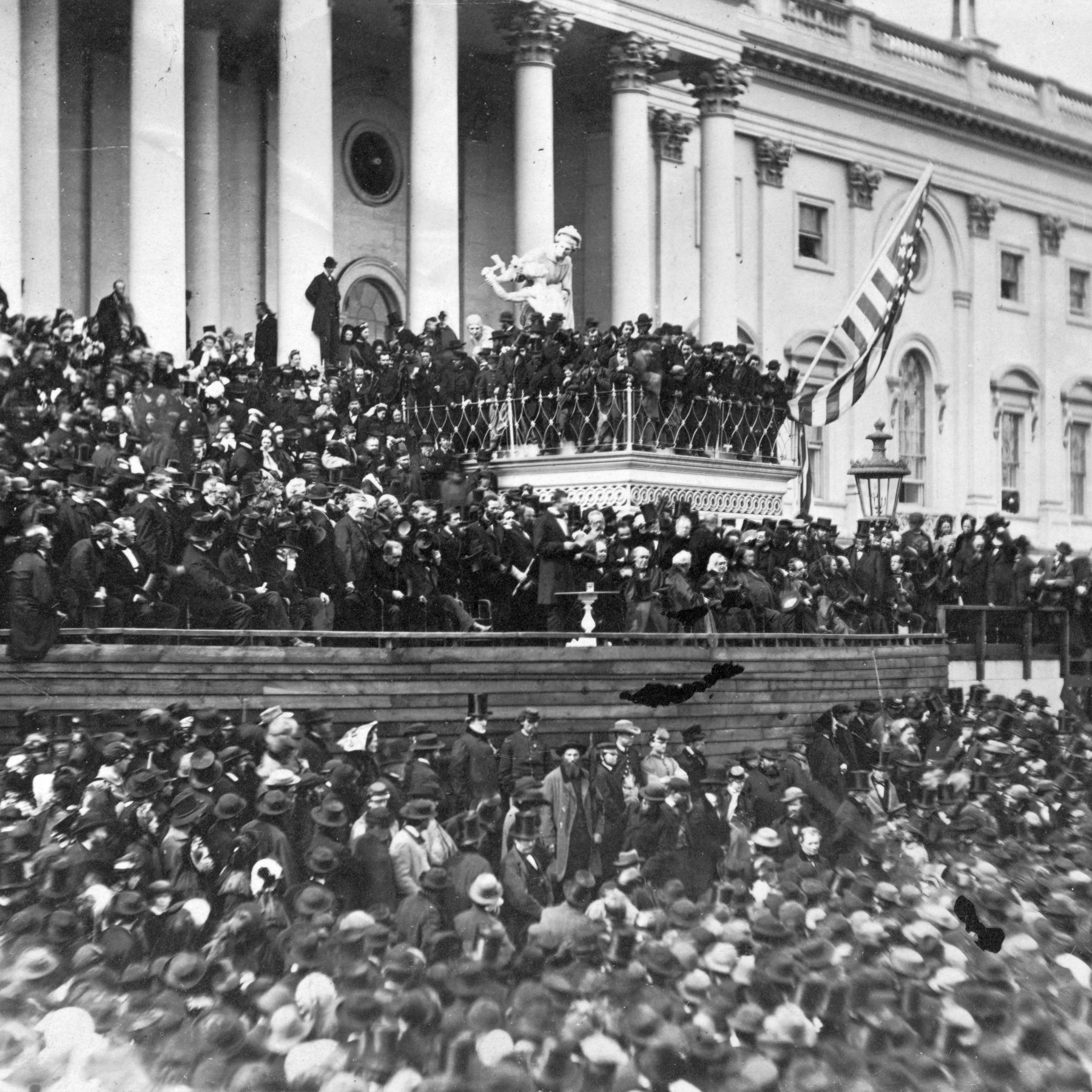the syntax of abraham lincolns second Hello the sentence in the second inaugural lincoln's address that indicate his desire to soon finish the war, is:  fondly do we hope, fervently do we pray, that this mighty scourge of war may speedily pass away.